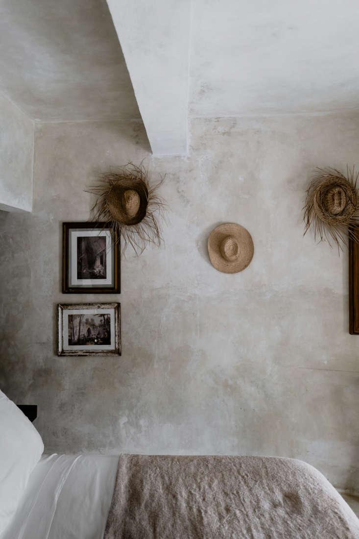 straw hats as decor. 12