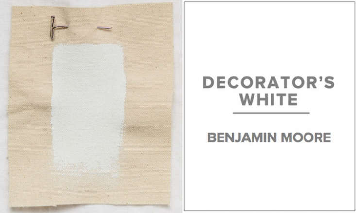 10 Easy Pieces Architects White Paint Picks Brooklyn based Delson or Sherman Architects favors Benjamin Moore&#8\2\17;s low  and no VOC paints in either Decorator&#8\2\17;s White or Super White. &#8\2\20;Because color is so dependent on context, we always select colors based on the material palette and lighting in each room; the relative amount of gray or yellow is critical. We avoid pink tinted whites.&#8\2\2\1;