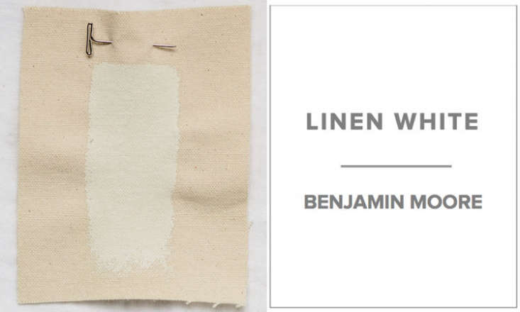 10 Easy Pieces Architects White Paint Picks Dana of Platt Dana Architectsfavors a mix of half Benjamin Moore Linen White and half Benjamin Moore Decorator&#8\2\17;s White for walls, which creates a &#8\2\20;warm and consistent color whether it is in shade or sun.&#8\2\2\1;