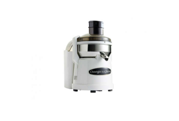 10 Easy Pieces Juicers Omega O2 Compact Pulp Ejector in White