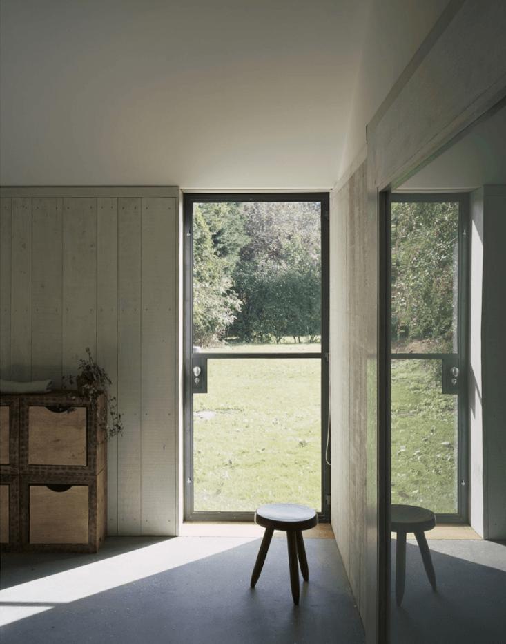 A Stable Reborn in Rural Norfolk Throughout the project, Kohn used custom steel Crittall windows and doors (see Walls, Windows & Floors: Steel Window and Door Fabricators).