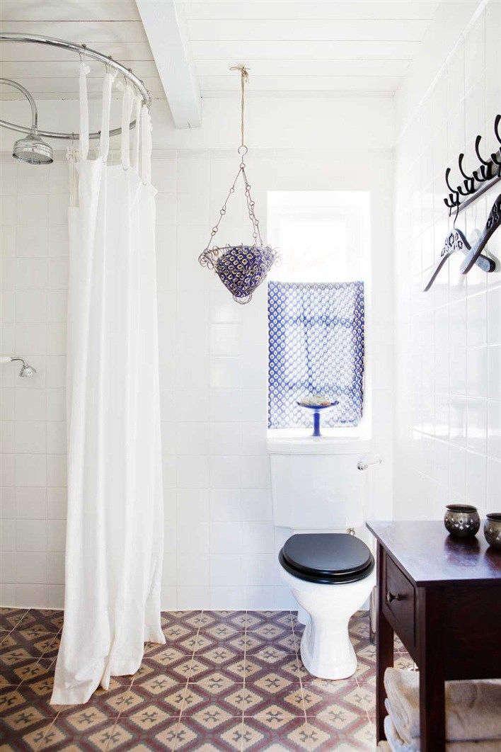 bathroom in osterlen, sweden from hus & hem 9