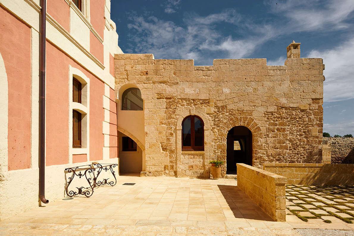A Revived th-Century Farmhouse in Puglia.