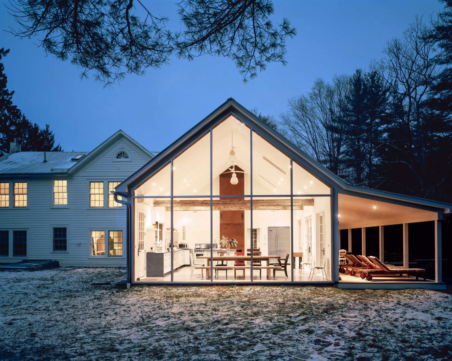 The farmhouse in winter.The house is available to rent at The Floating Farmhouse;it&#8