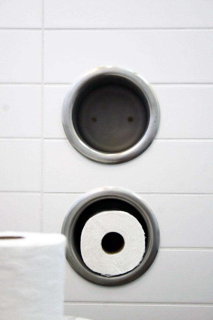 Neal Schwartz Hydeaway House Bathroom Toilet Roll Holder 02
