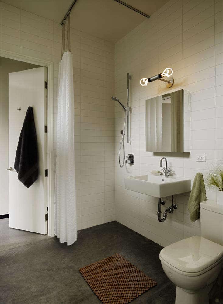 Neal Schwartz Bathroom Hydeaway Poolhouse 03