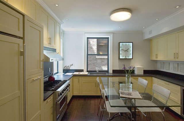 8nd Street Residence