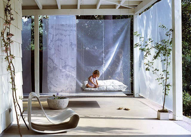 Pasadena Project | Cabana Exterior: Steel Swing and Cotton / Silk Fabric Photo: Jeremy Samuelson