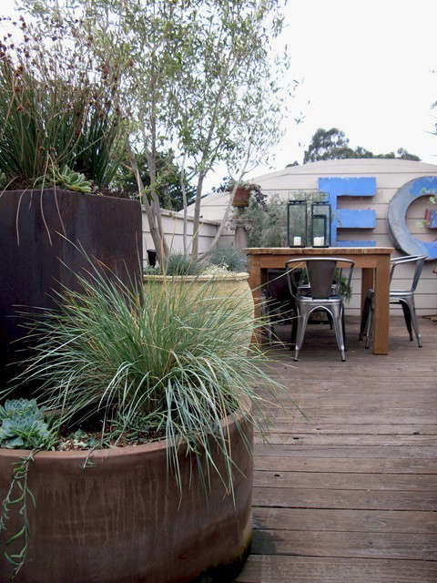 letters and grasses and tigers, oh my!: this rooftop garden increases the clien 13