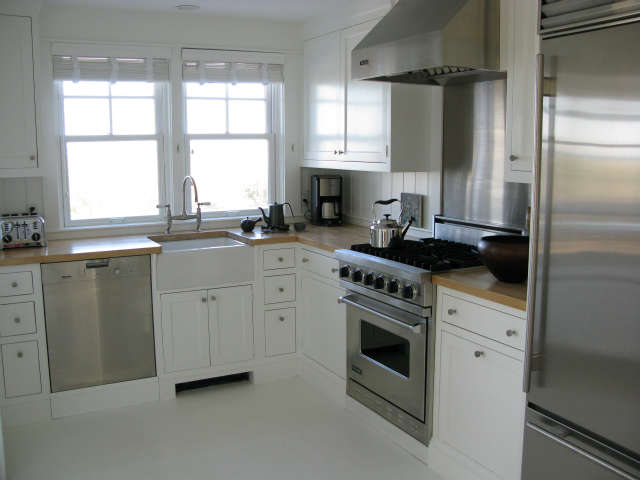 martha&#8\2\17;s vineyard cottage &#8\2\1\1; kitchen 28