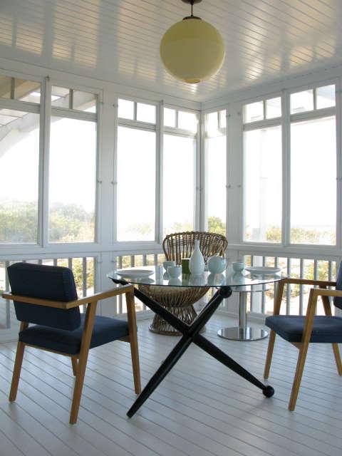 martha&#8\2\17;s vineyard cottage &#8\2\1\1; sunporch. franco albini ch 29