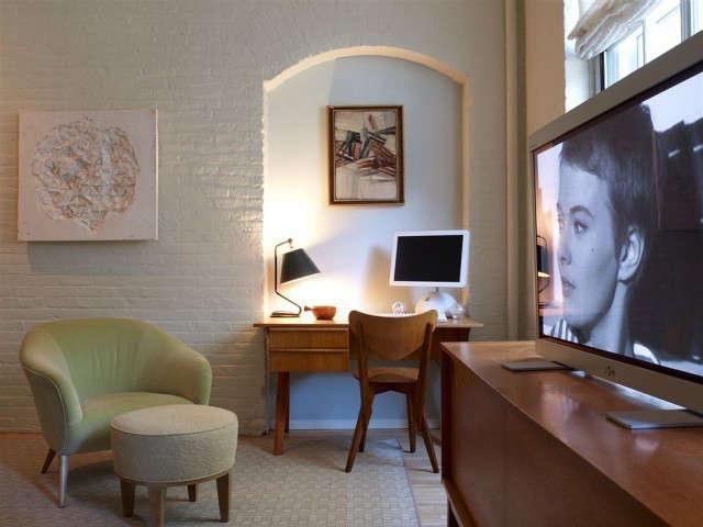 tribeca loft bedroom, new york city photo: eric laignel 12
