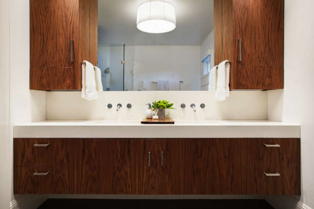 Geremia Design Pao Alto Residence &#8\2\1\1; Bathroom of a Geremia Design residential project in Pao Alto, CA. Visit our website for more information.