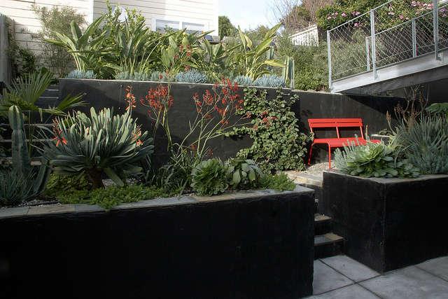 a bridge to the garden &#8\2\1\1; design by flora grubb gardens staff desig 13