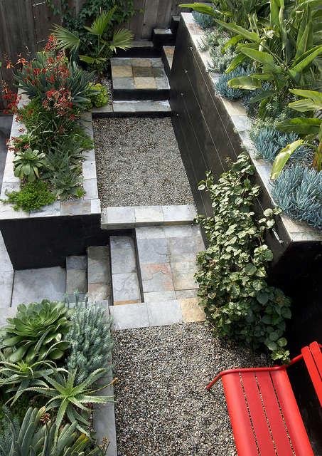a bridge to the garden &#8\2\1\1; design by flora grubb gardens staff desig 11