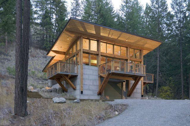 wintergreen cabin: the \1,600 square foot wintergreen cabin is built into a ste 60