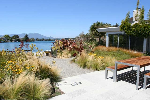 belvedere lagoon: the house&#8\2\17;s orientation takes advantage of the vi 13