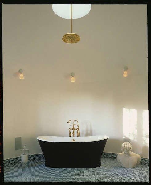Loma Vista Residence: Residential renovation and remodel. Photo: Tim Street-Porter
