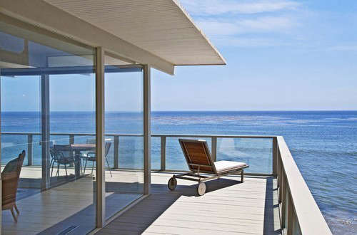 OGAWADEPARDON Malibu Bliss: Malibu Bliss&#8\2\1\1; This vintage \2,400 square foot residence, perched over the crashing waves of the Pacific Ocean, was designed by a significant architect from the \1950's. Ogawa/Depardon planned a sensitive renovation that respected it's distinctive design and it's panoramic views up the coastline and the ocean beyond.