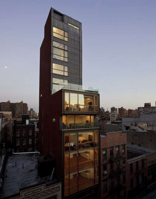 OGAWADEPARDON 30 Orchard: 30 Orchard &#8\2\1\1; A \20,000 sf condominium apartments building in Manhattan's Lower East Side. The \13 apartments range from one and two bedroom to penthouse duplex units. The ground floor and basement is a gallery.
