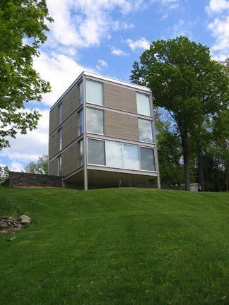 OGAWADEPARDON Cube*: Cube*&#8\2\1\1; A ground up new construction of a small country house located in upstate New York. Continuing their relationship with an existing client, Ogawa/Depardon Architects used several modular construction techniques. The design accommodates a tight budget (under \$\1\25 per sq. ft.) by simplifying the construction process and by reducing construction material waste. The design has been created as a prototype for future economical constructions.