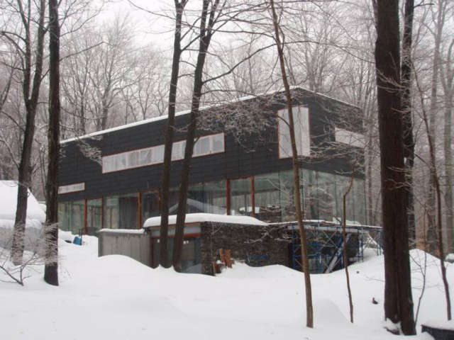 OGAWADEPARDON Zinc + Glass house: Zinc + Glass house&#8\2\1\1; Under Construction