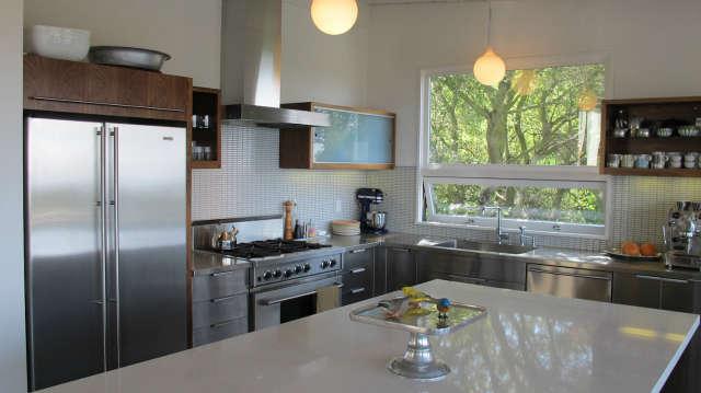 Hillside Modern House, kitchen detail