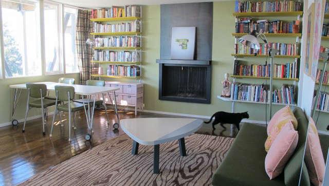 Hillside Modern House, teens living room