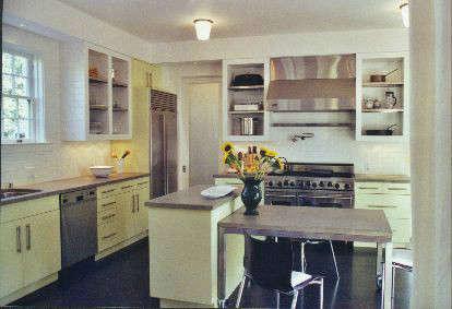 Grand Courtyard House kitchen