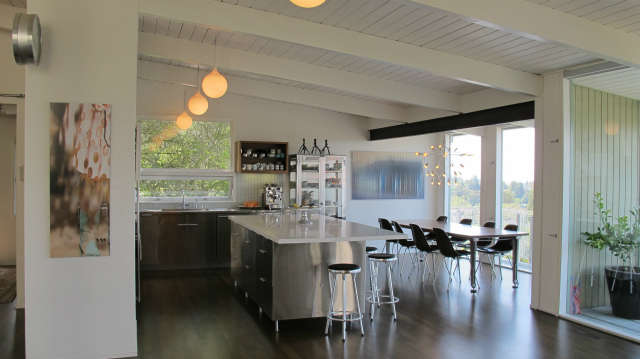 Hillside Modern House, kitchen & dining