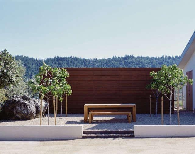 ridge house: picnic and garden harvest terrace. photo: sharon risedorph 11