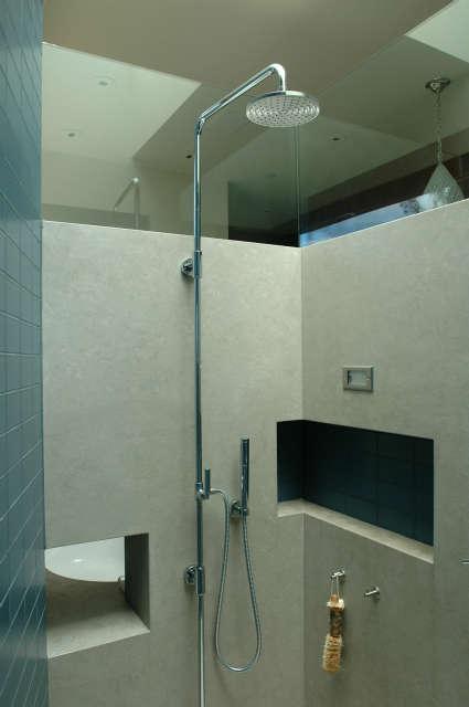 Winebaum Shower