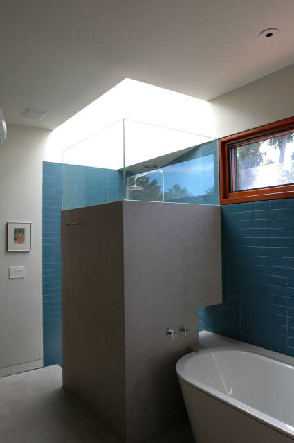 Winebaum Shower and Bath &#8class=