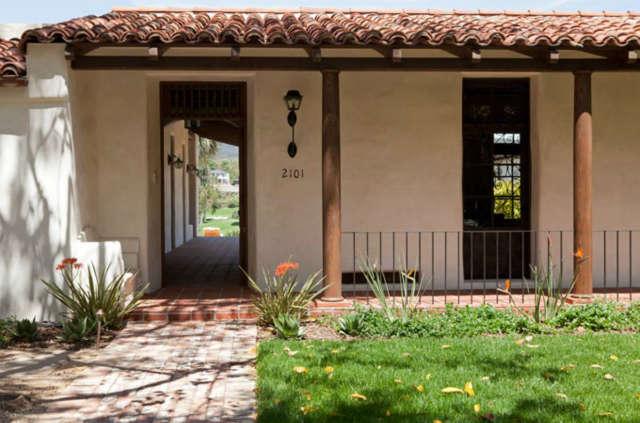 Entrance to La Mesa Residence &#8class=