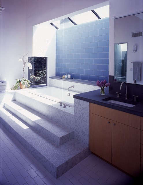 Palisades House master bath