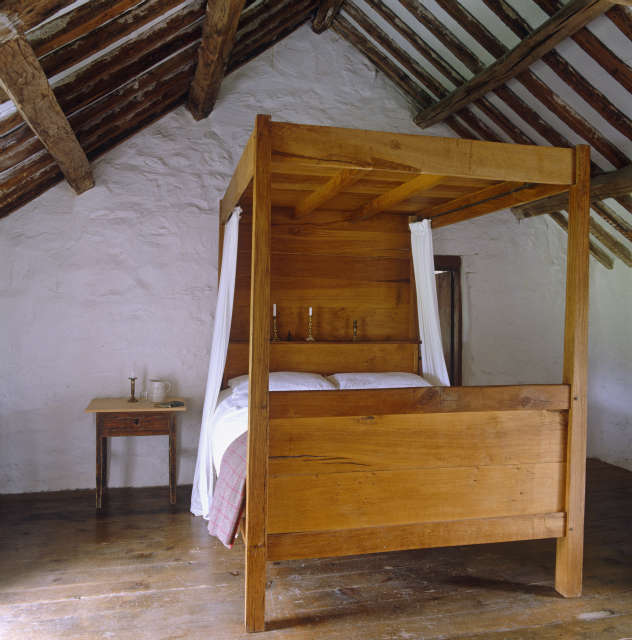Four Poster Bed designed by Hackett Holland