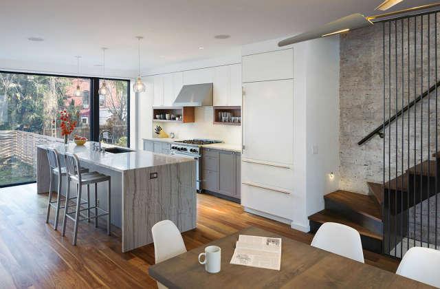 Leone Design Studio \1\1th Street Townhouse: kitchen Photo: Albert Vecerka