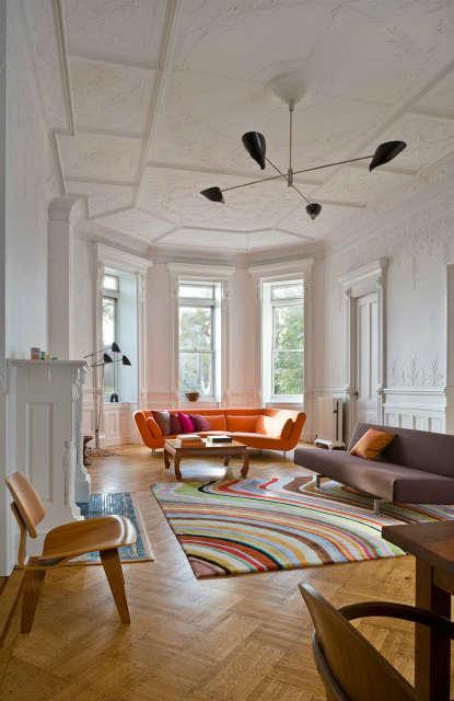 Leone Design Studio Columbia Heights Apartment: living room Photo: Albert Vecerka