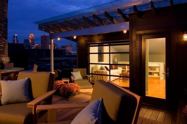 Albertsson Hansen Architecture Historic Modern Loft &#8\2\1\1; Rooftop Deck: A rooftop deck over the loft provides beautiful views of downtown Minneapolis and of the Mississippi River. Photo: Dana Wheelock