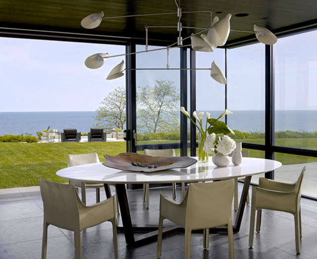 Lake Shore Estate: Breakfast Nook