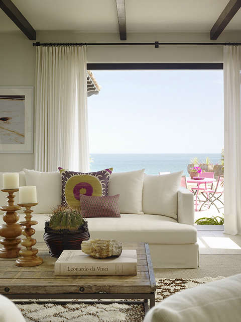 ocean front villa: living room 11