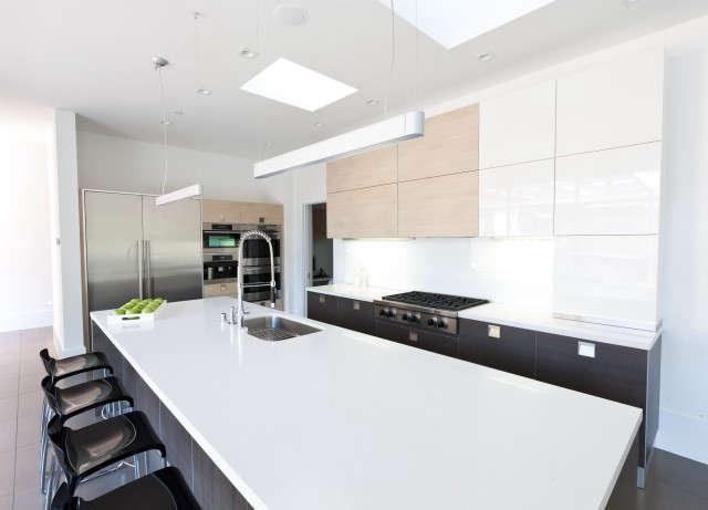 Kriste Michelini Interiors Orinda Residence &#8\2\1\1; Kitchen II: Modern Kitchen &#8\2\1\1; Cabinets Photo: Lisa Duncan