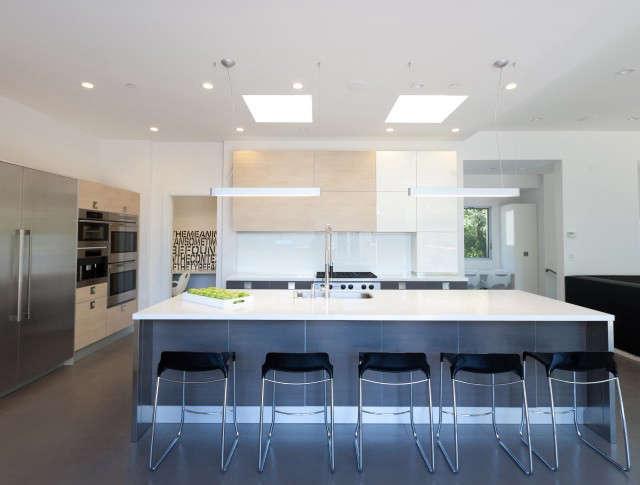 Kriste Michelini Interiors Orinda Residence &#8\2\1\1; Kitchen: Modern Kitchen Photo: Lisa Duncan