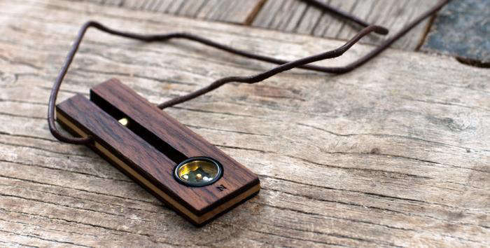 700 700 compass wood