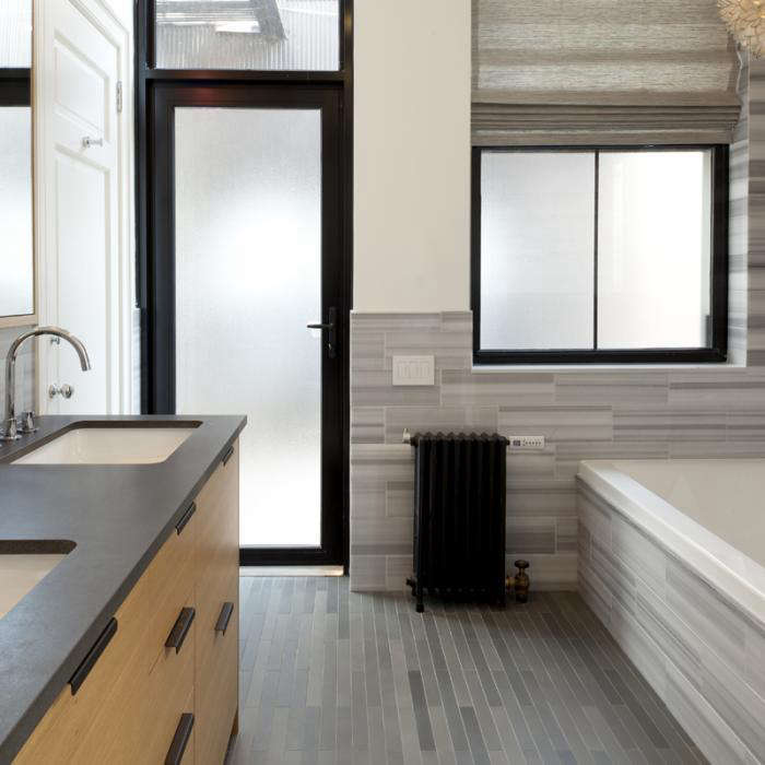 A New York Flat with a Glamorous View portrait 11