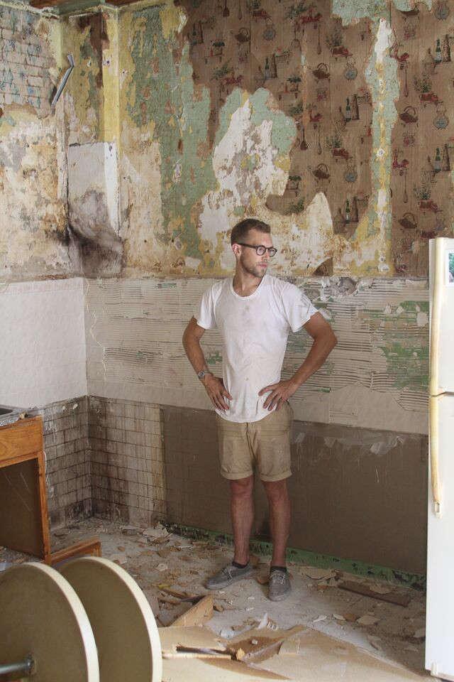 Philadelphia Story Two Creatives Tackle Their Own Kitchen portrait 13