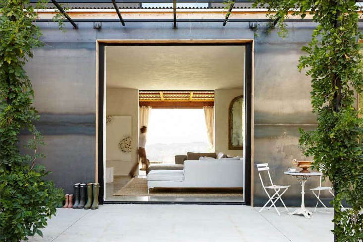 Vote for the Best LivingDining Space in the Remodelista Considered Design Awards 2014 Professional Category portrait 14