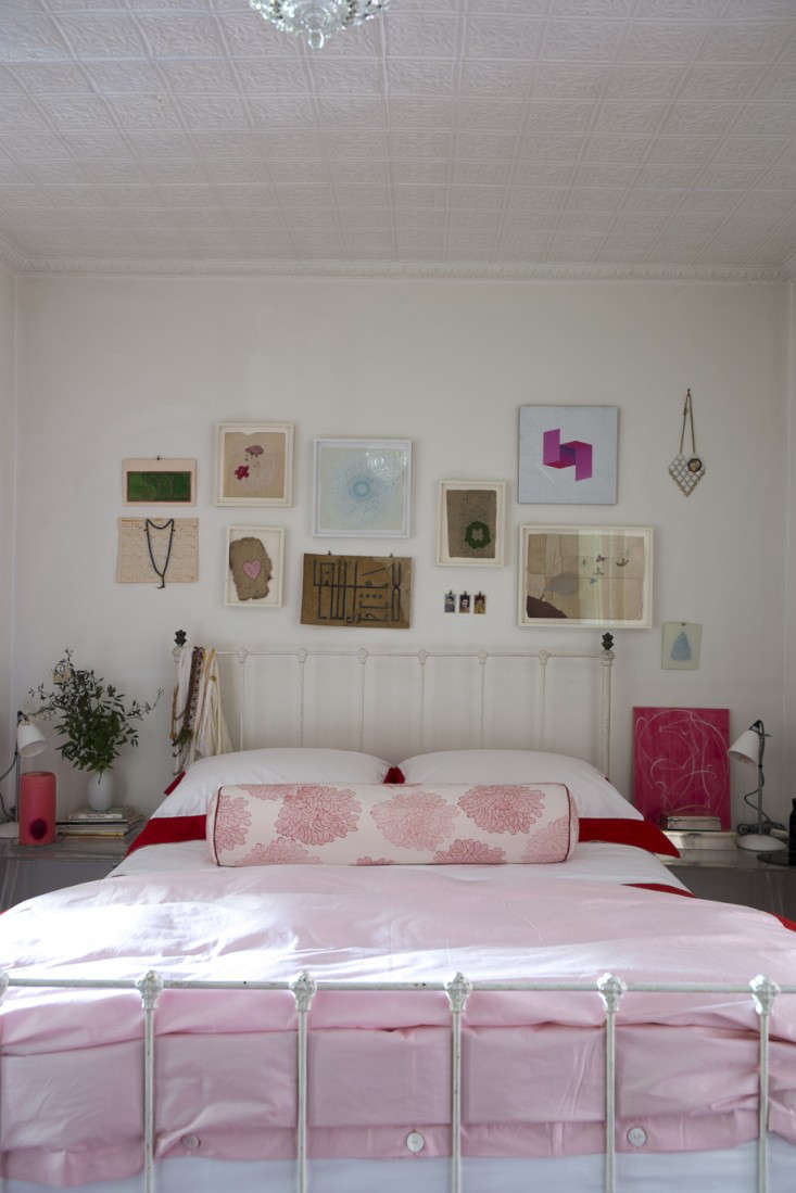 Alayne Patrick of Layla bedroom photographed by James Merrell 12 Remodelista