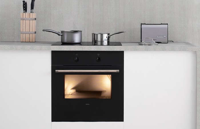 Calm in the Kitchen The Amica Zen Oven portrait 3