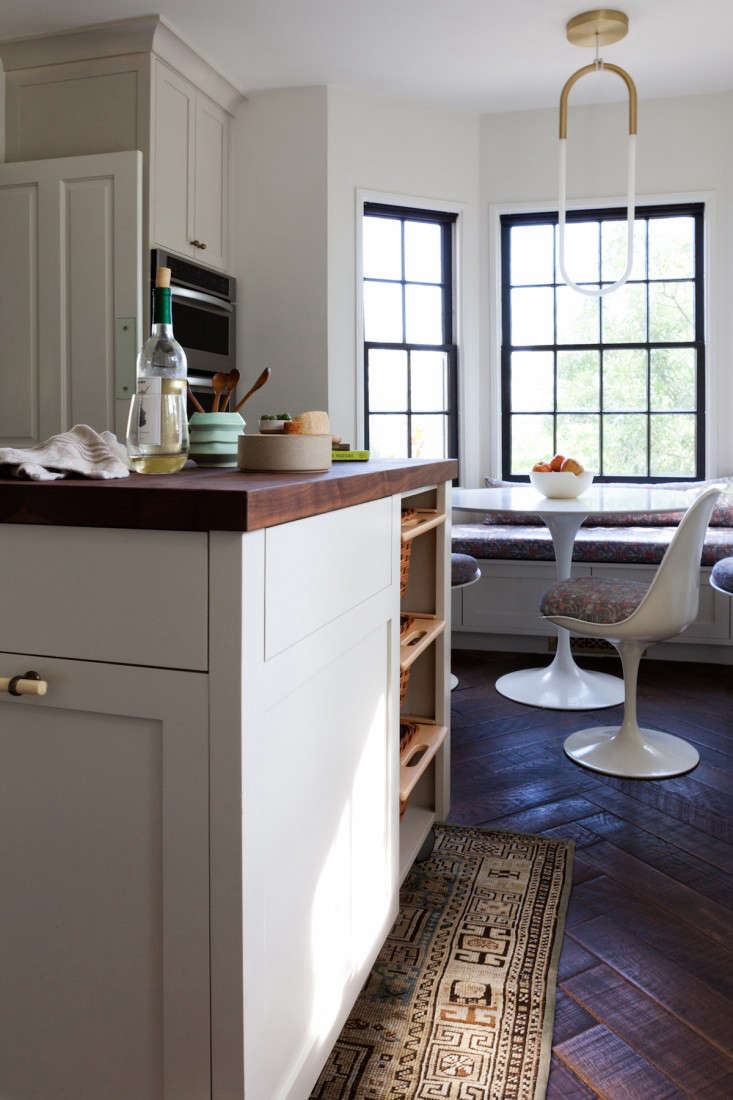 Kitchen of the Week Practicality in White Marble portrait 7